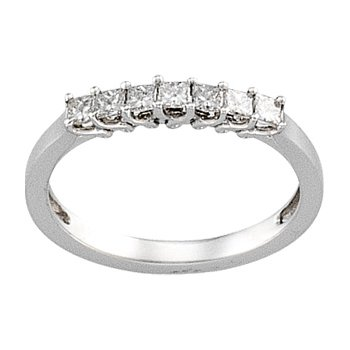 3/8 ct tw Diamond Wedding Band