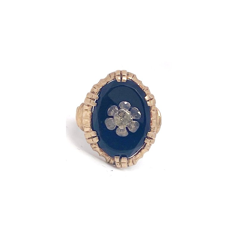 Estate & Vintage Lady's vintage yellow gold and onyx ring