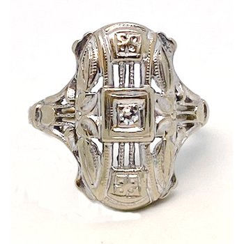Lady's vintage Art Deco design diamond and white gold ring