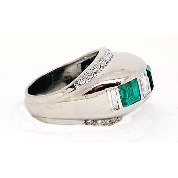 Lady's Art Deco design emerald, diamond and white gold ring