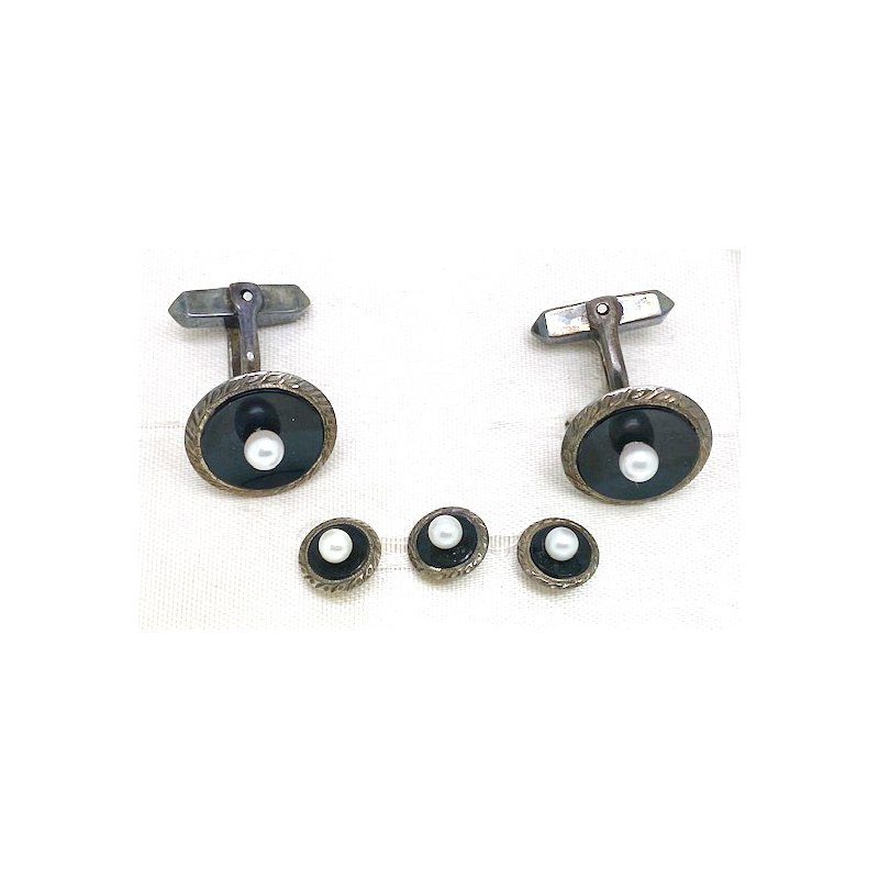 Estate & Vintage Gent's vintage pearl, onyx and silver cuff links and stud set