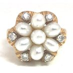 Estate & Vintage Lady's vintage cultured pearl, diamond and yellow gold ring