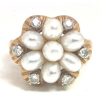 Lady's vintage cultured pearl, diamond and yellow gold ring
