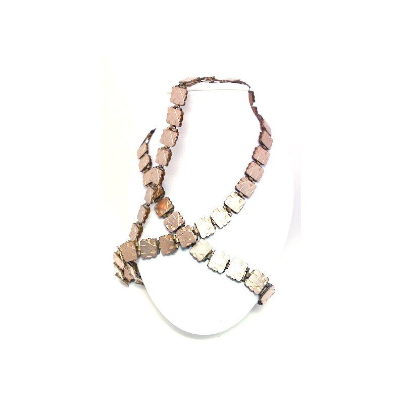 Estate & Vintage Lady's vintage gold tone necklace