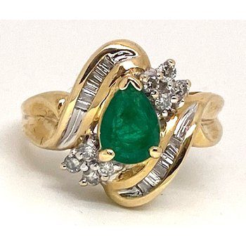 Lady's vintage emerald, diamond and yellow gold ring