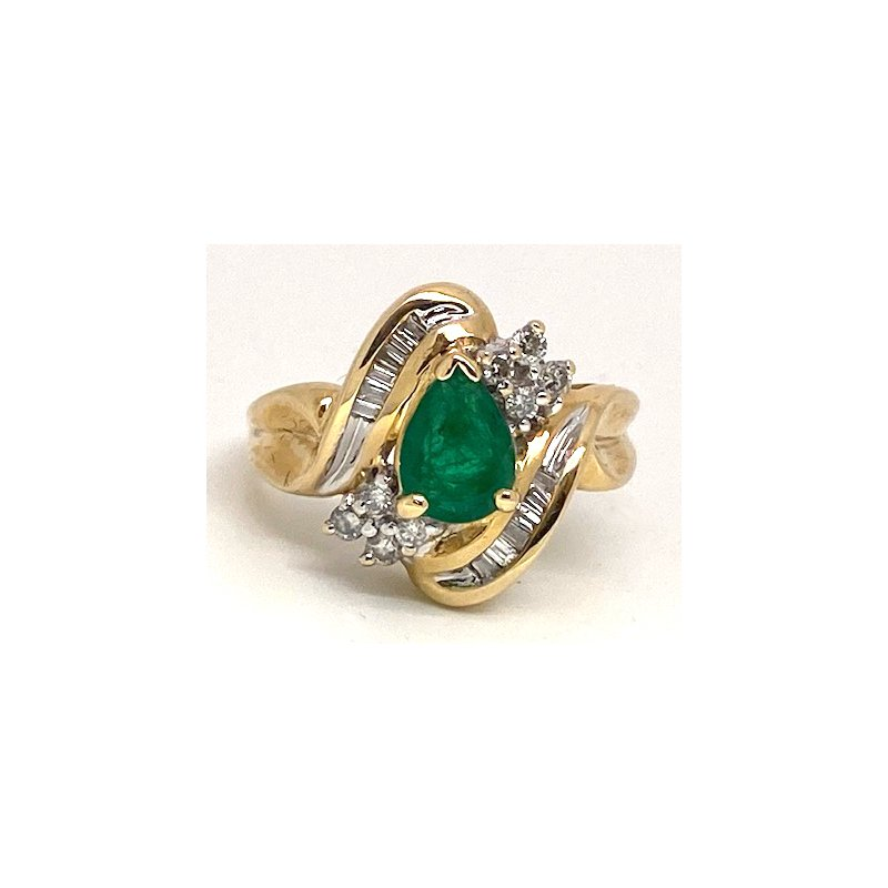 Estate & Vintage Lady's vintage emerald, diamond and yellow gold ring
