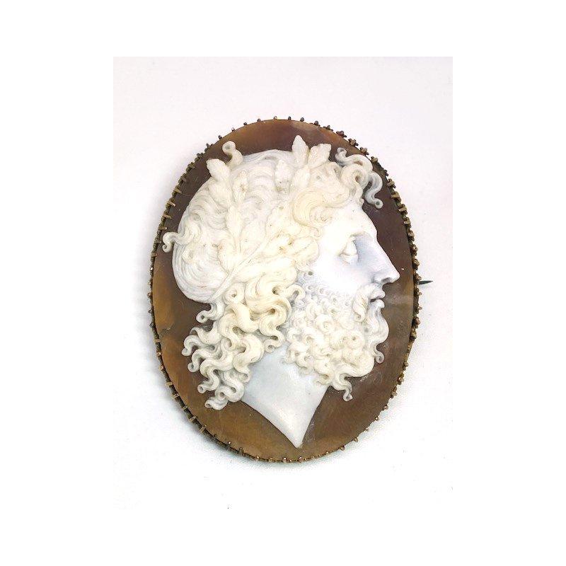 Estate & Vintage Lady's vintage cameo brooch