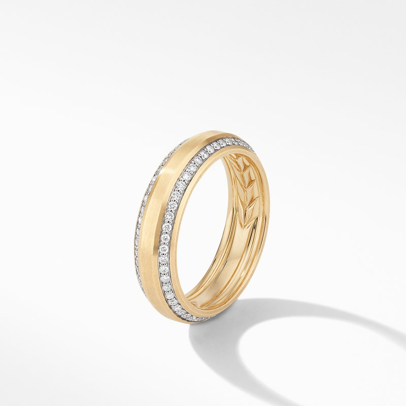David Yurman Beveled Band Ring in 18K Yellow Gold with Diamonds