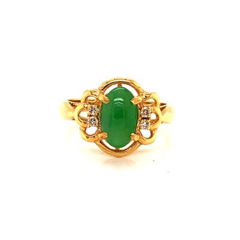 Green Jadeite Ring - 18K yellow gold