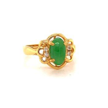 Green Jadeite Ring - 18K yellow gold