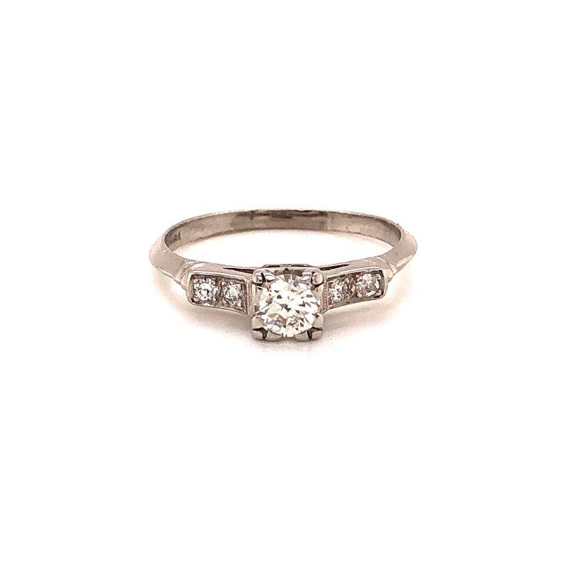 Estate & Pre-Owned Jewelry Vintage Platinum Diamond Engagement Ring