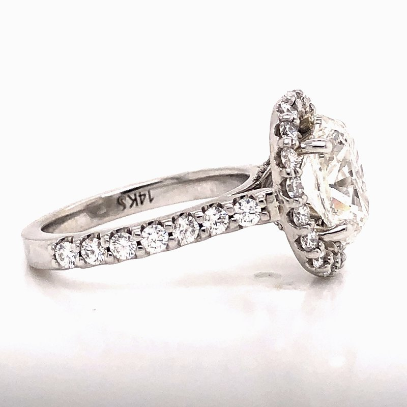 Estate & Pre-Owned Jewelry 2 ct Oval Diamond ring