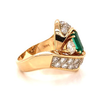 Diamond & Emerald Fashion Ring - 14K Yellow Gold