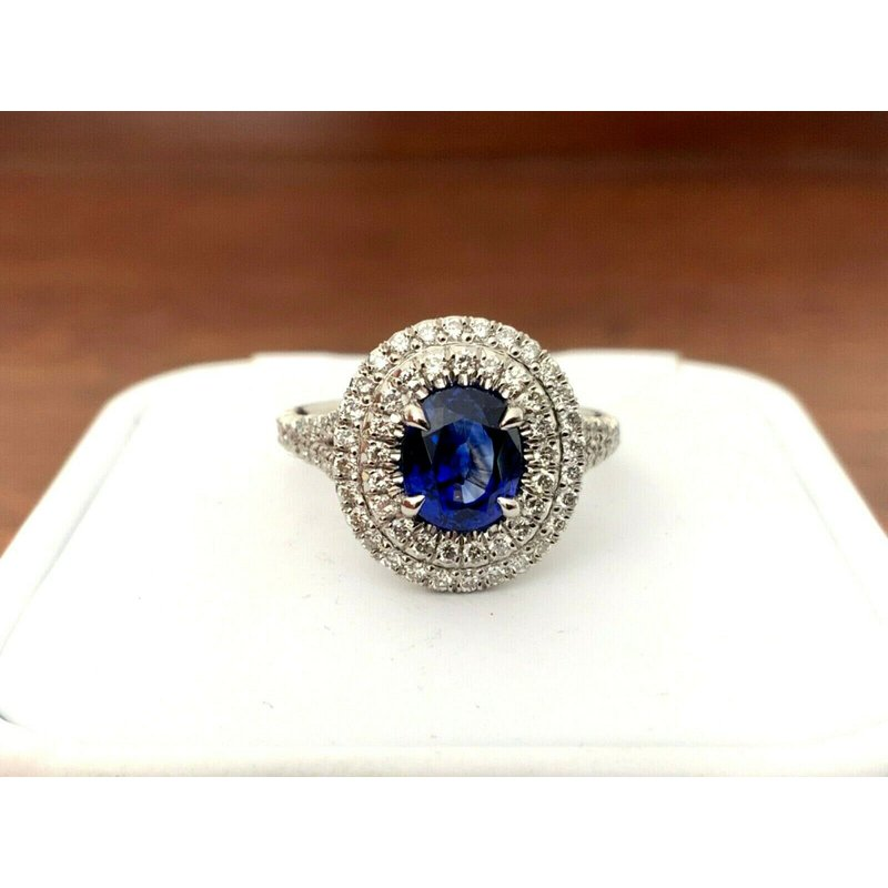Pre-Loved Jewelry Sapphire 1.65 ct Oval Halo Ring