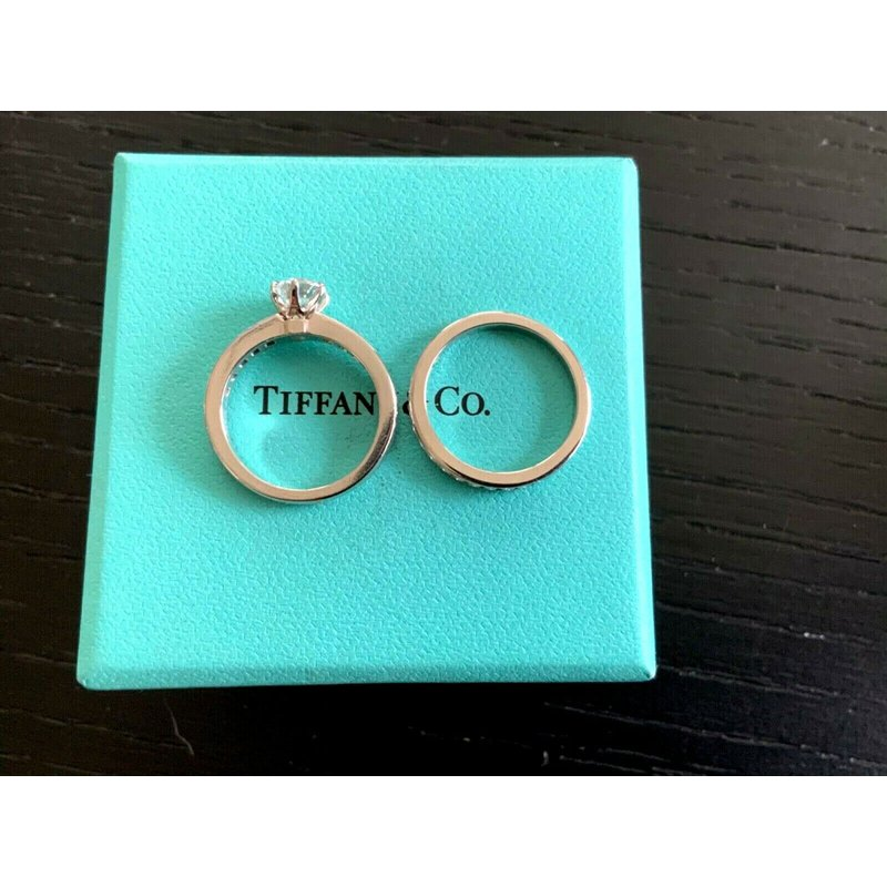 Pre-Loved Jewelry Tiffany Channel Set 1 ct E VS1 $14,500 NEW