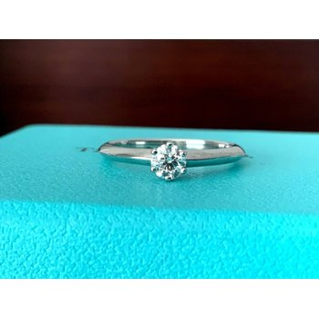 Tiffany .26 ct Round F VS1 $2300 NEW