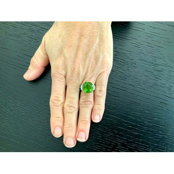 12.54 ct Peridot and Diamond Ring 18k White Gold Ring