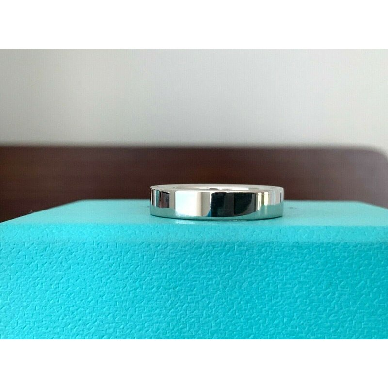 Pre-Loved Jewelry Tiffany Essential 4 mm Wedding Band Size 5.5 $2k NEW