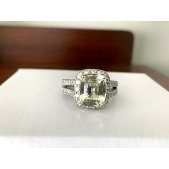 4.24 ct 100% Natural Unheated Light Yellow Sapphire Ring