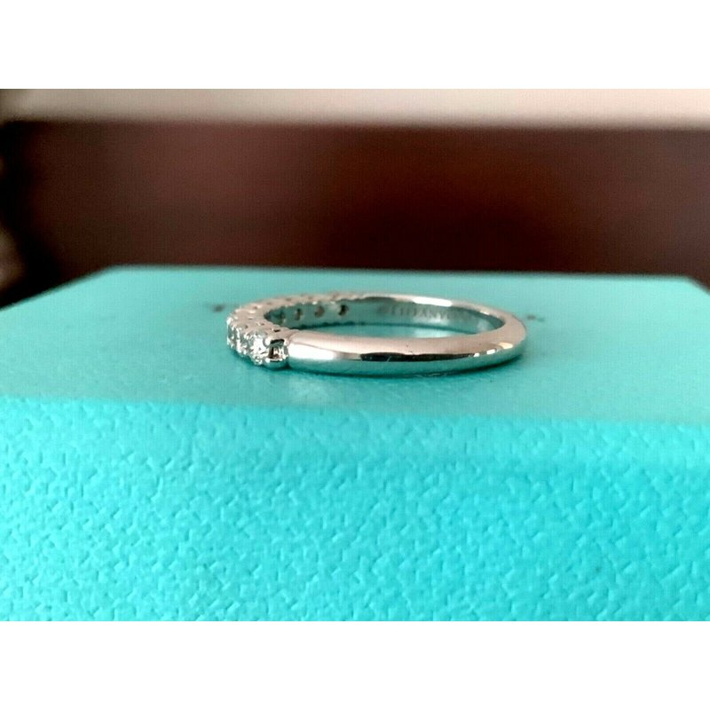 Pre-Loved Jewelry Tiffany Embrace 2.2 mm Eternity Band