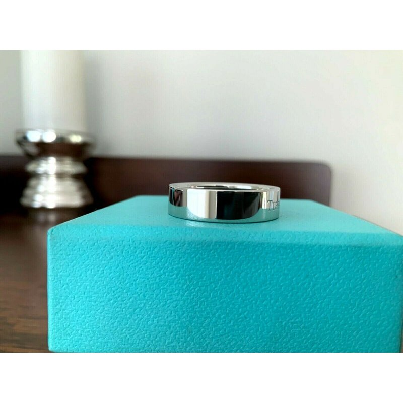 Pre-Loved Jewelry Tiffany Essential 6 mm Flat Platinum Wedding Band $2,400 NEW
