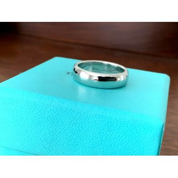 Tiffany 6 mm Platinum Essentials Wedding Band