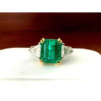 5 Carat UNTREATED Emerald