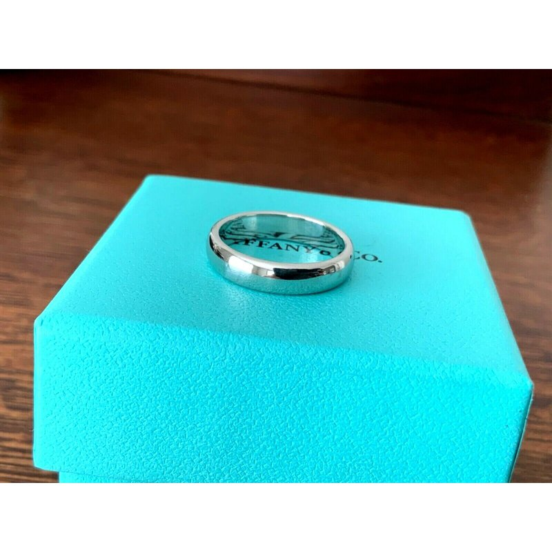 Pre-Loved Jewelry Tiffany 4.5 mm Platinum Wedding Band