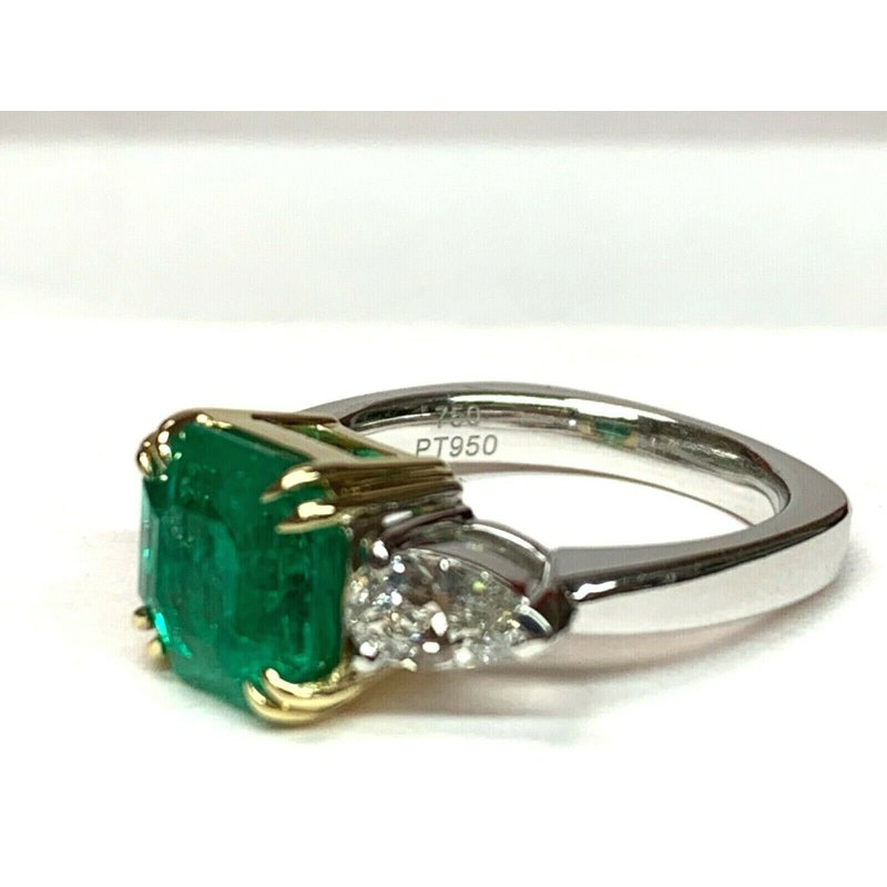 Pre-Loved Jewelry 3.28 Columbian Emerald and Diamond Ring