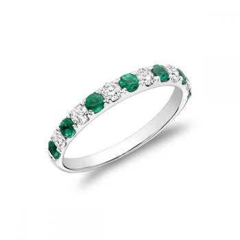 Pavé Emerald & Diamond Ring