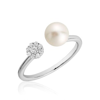 Open Pearl Ring with Cluster Setting Diamonds