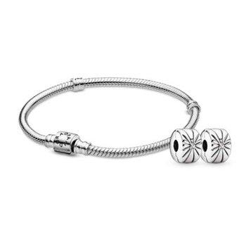 Iconic Clasp Bracelet Gift Set