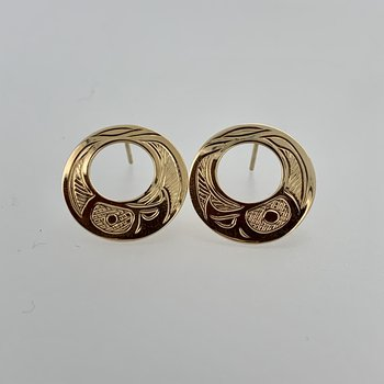 Cut out round eagle stud earrings