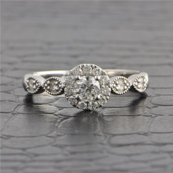 Diamond Engagement Ring in White Gold