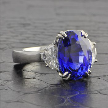 10.59 Carat Oval Cut Madagascan Blue Sapphire Ring in Platinum