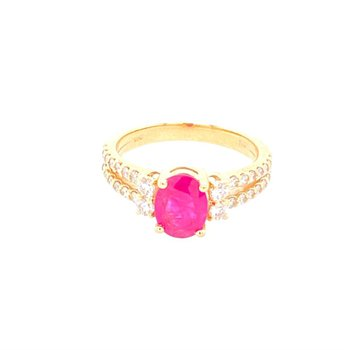 Oval Ruby and Diamond Ring in Yellow Gold