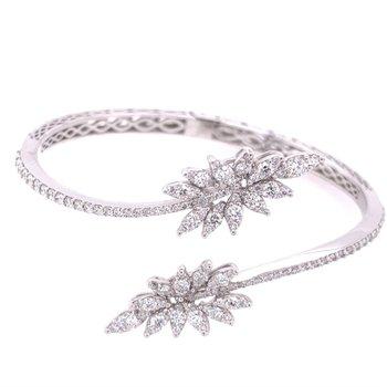 Diamond Bangle Bracelet in White Gold