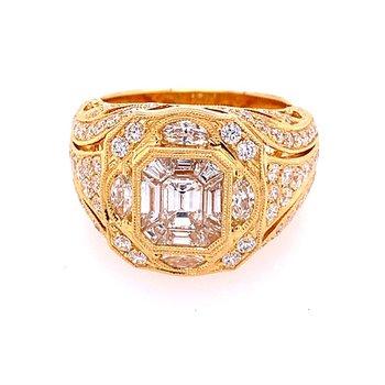 Elegant Diamond Ring in 18k Yellow Gold