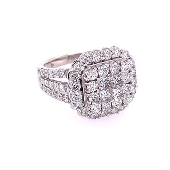 3.0 CTW Diamond Cluster Ring in White Gold