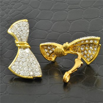 Elegant 3.0 Carat Diamond Bow Clip Earrings in Yellow Gold