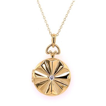 Fluted Diamond Locket in Yellow Gold