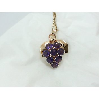 Amethyst Grape Pendant in Yellow Gold