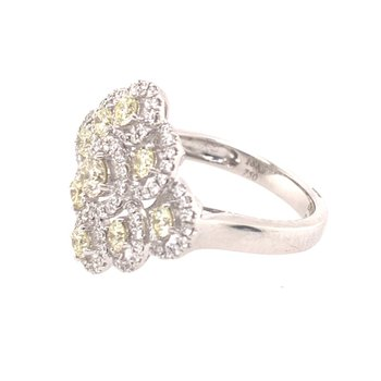 Elegant Diamond Ring in 18K White Gold