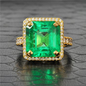 9.60 Carat Emerald and Diamond Ring in Yellow Gold