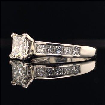1.27 Carat Princess Cut Diamond Engagement Ring in Platinum