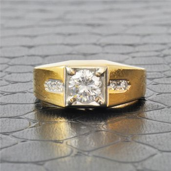 Mens 1.15 Carat Diamond Ring in Yellow Gold