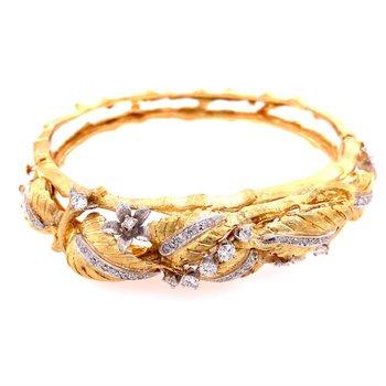 Textured Vintage 1950-60s Diamond Bangle Bracelet in 18k Gold