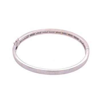 Diamond Bangle Bracelet in 18k White Gold