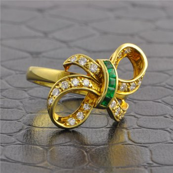 Tiffany & Co. Emerald and Diamond Bow Ring in Yellow Gold