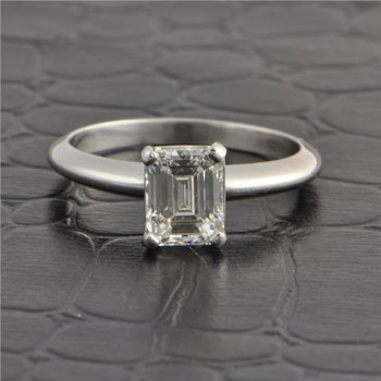 1.23 Carat I-SI1 Emerald Cut Diamond Engagement Ring in Platinum